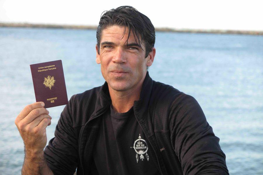 Passeport à jour